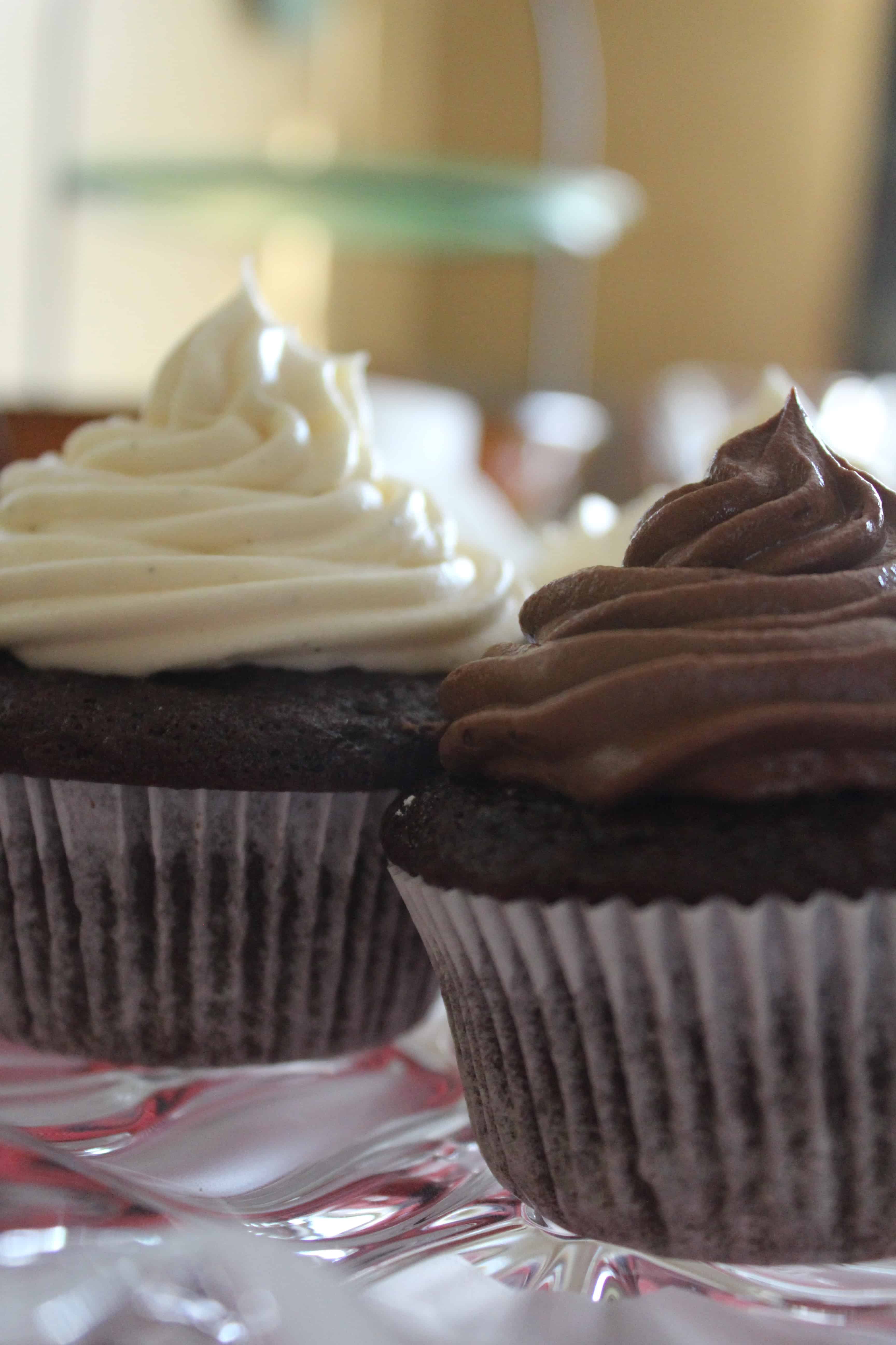 eatpicks-frosted-cupcakes
