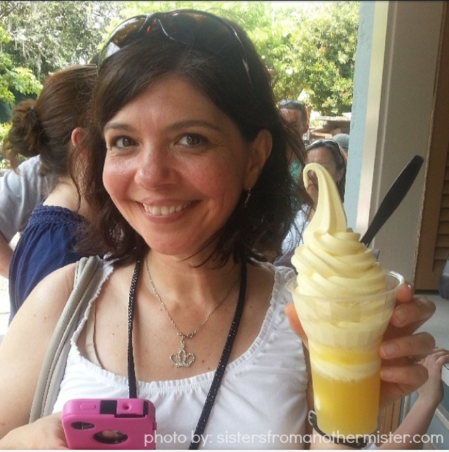 2013 DisneySMMom Conference Dole Whip