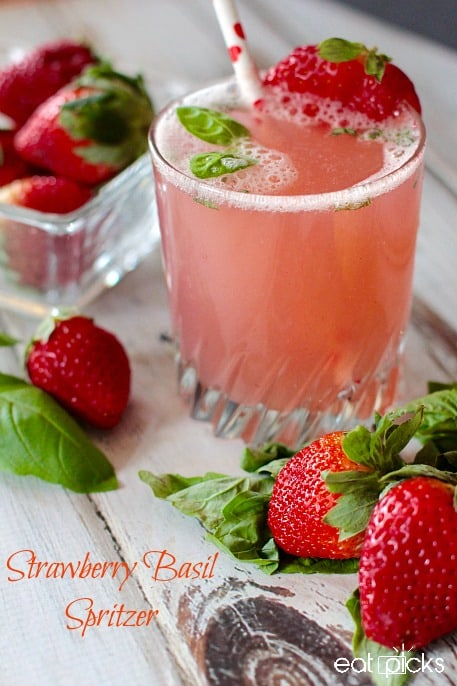 Strawberry Basil Spritzer is a delicious non-alcoholic beverage made with #FLStrawberry! Refreshing for brunch.