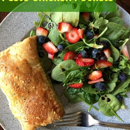 Baked Chicken Pesto pockets with puff pastry is a great recipe for quick lunch or dinner. Paired with side salad makes for a healthy meal.