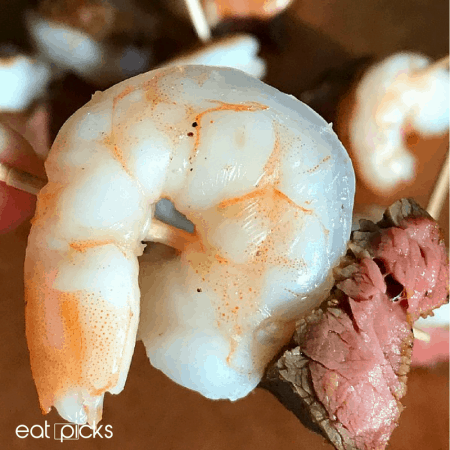 Easy Surf & Turf Appetizer Bites are full of delicious steak and shrimp. Perfect for entertaining.