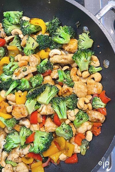 Homemade chicken broccoli cashew stir fry